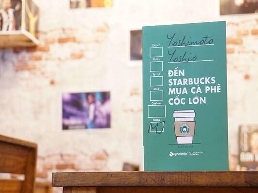 Đến starbucks mua cà phê cốc lớn - Reviewsach.net