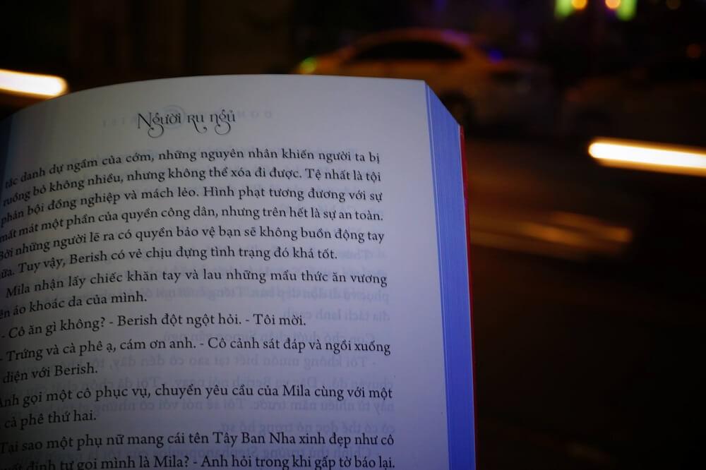 review sách người ru ngủ (2)