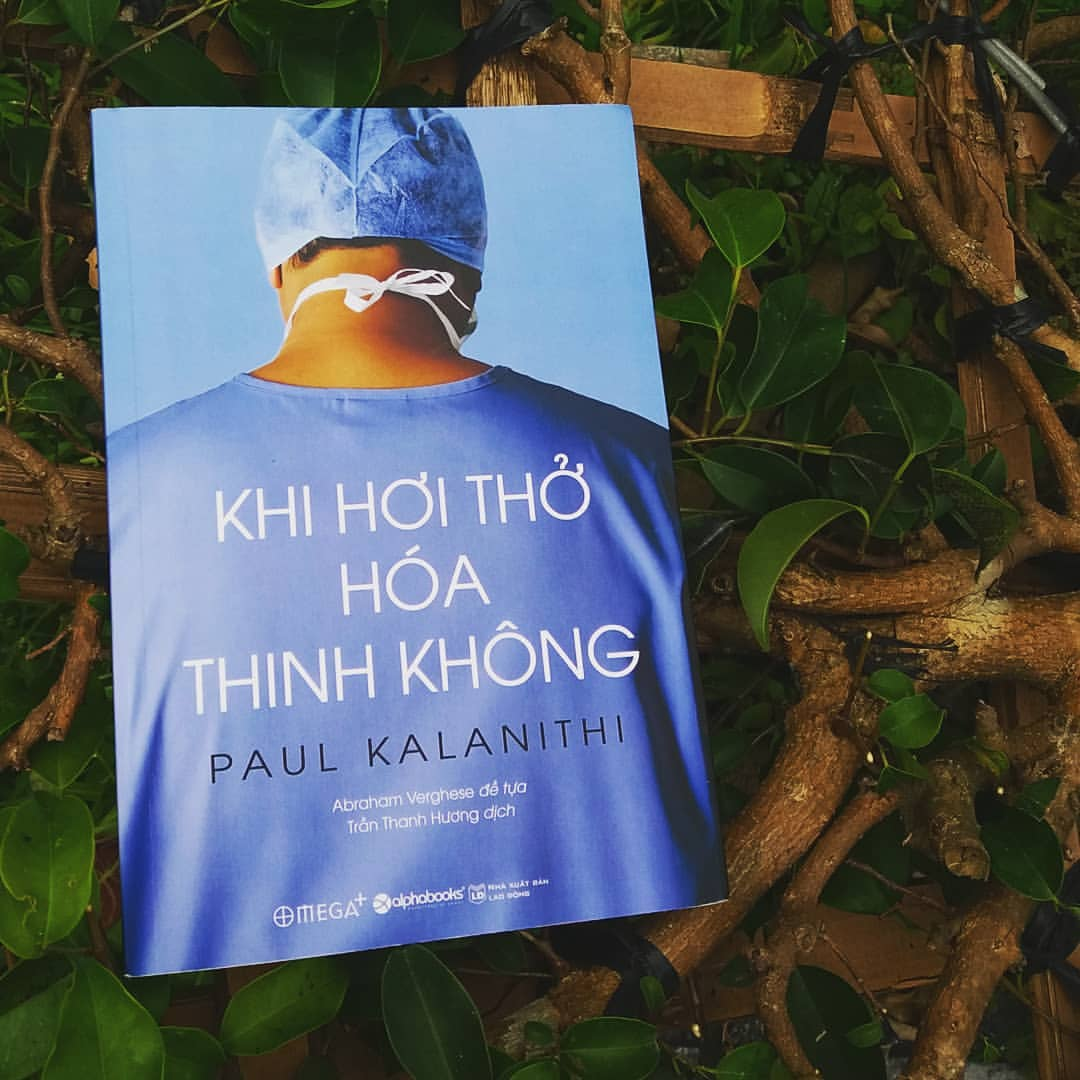 Review Sách Khi hơi thở hóa thinh không