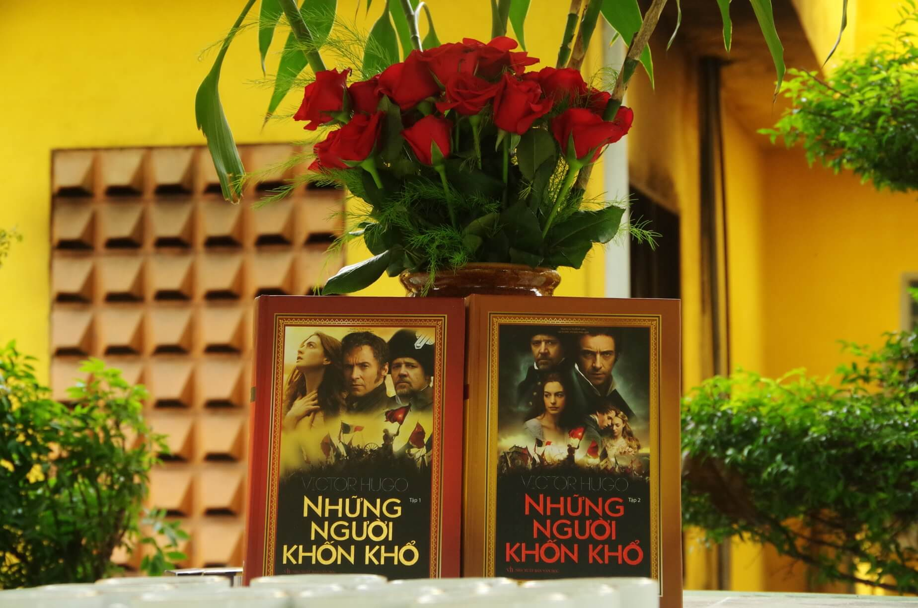Victor Hugo Những người khốn khổ - reviewsach.net