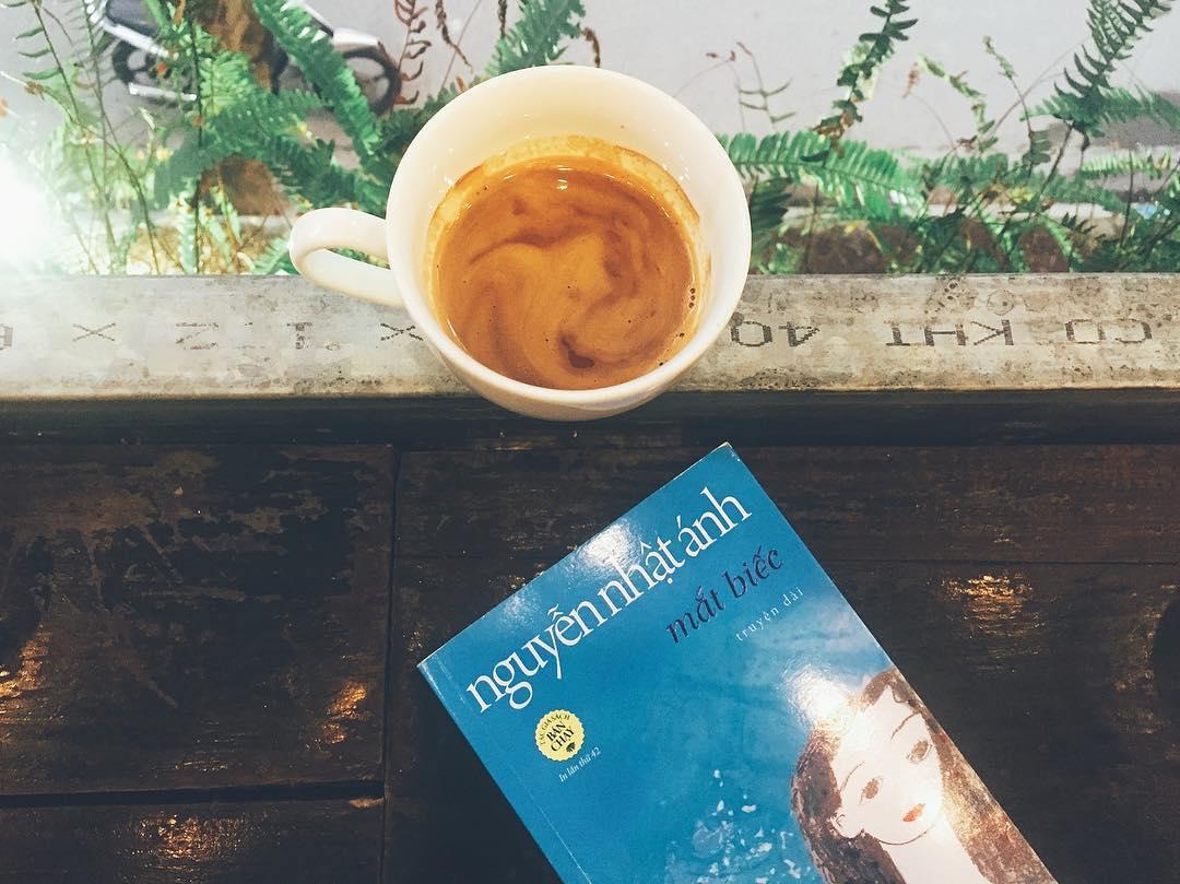Review sách Mắt biếc - Kết cục buồn cho những kẻ ôm mối tình si