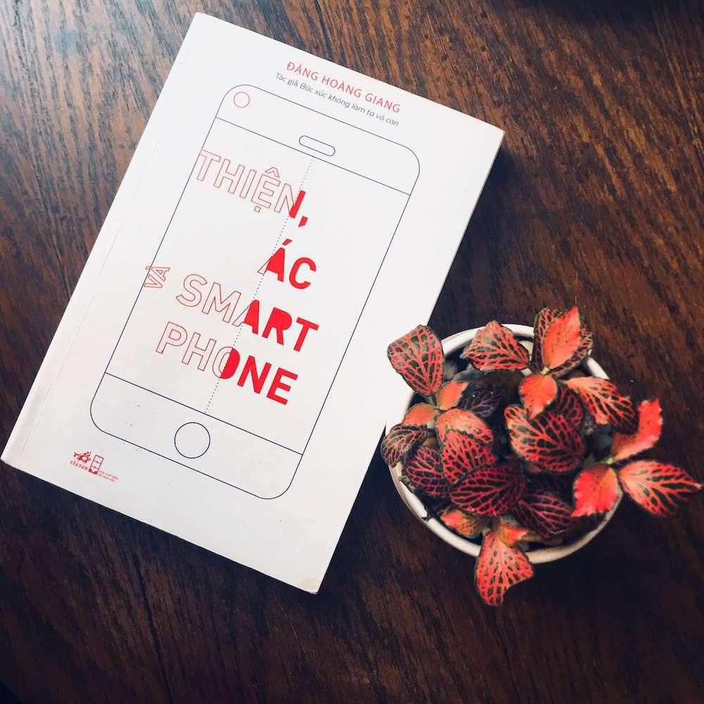 review sách thiện ác và smartphone