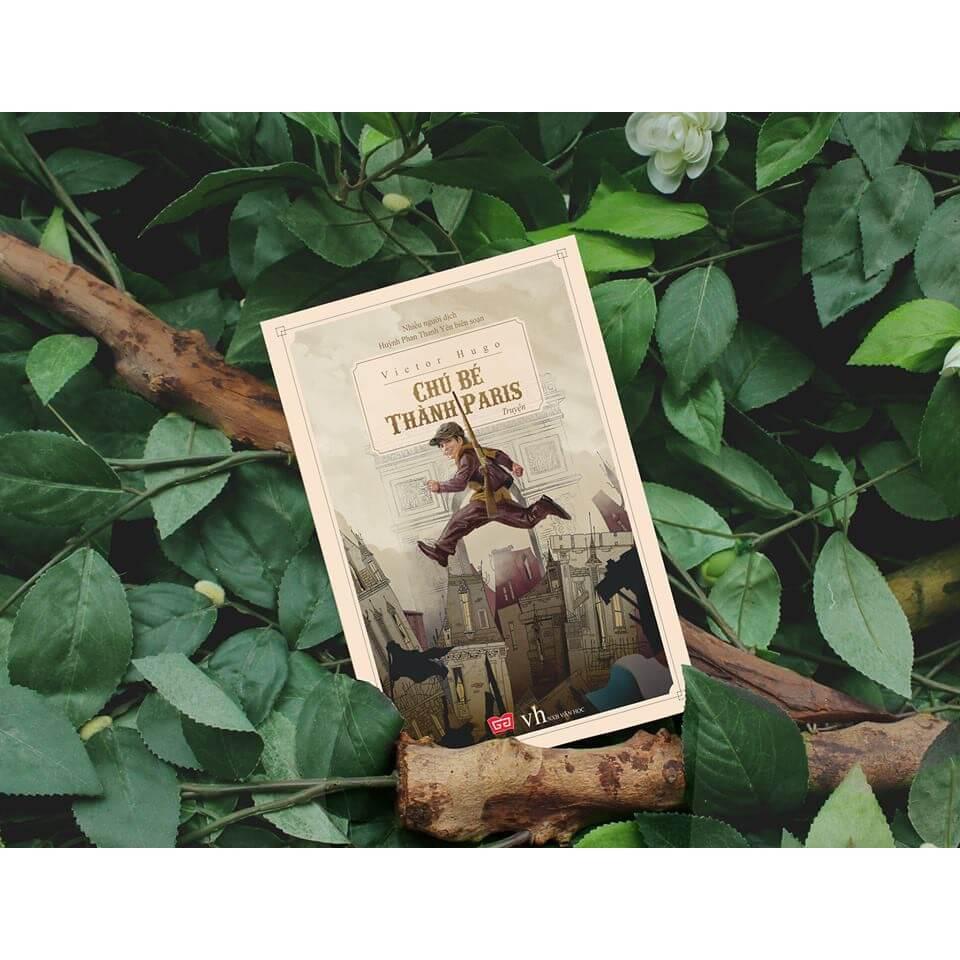 Chú-bé-thành-Paris-Review-sách-bởi-Reviewsach.net